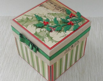 Vintage Christmas Gift Box - Red and Green Christmas Exploding Box - Merry Christmas Card - Spring of Holly Greeting Card - Xmas Custom Made