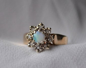 Stunning vintage 9K yellow and white gold Opal and Diamond cluster ring with hallmarks for London, England, 1978