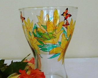 Flower vase, hand-painted flowers,, housewarming gift, flowers, lilies, gift for her, home decor