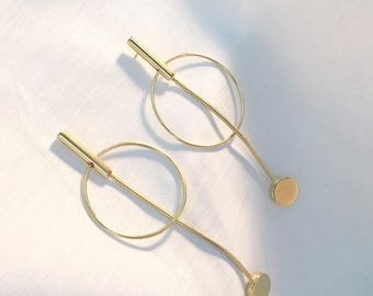 Pendu Long Snake Chain Earrings