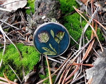 nature necklace, nature resin jewelry, Botanical terrarium jewelry, pressed forest flower pendant, floral resin necklace, Nature lover gift