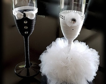 Champagne for the bride and groom flutes set.