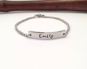 Personalized bar bracelet, Name bracelet, ID bracelet, Gift for daughter, Gift for mom, Birthday Gift, Bridesmaid gift, Valentine's Day Gift