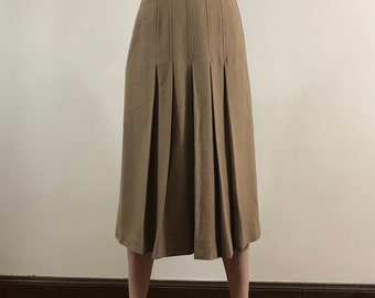 Vintage 1970s High Waisted, Women's Size 4, Wool Pleated Skirt