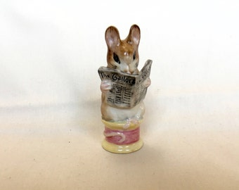 BP2a TAILOR OF GLOUCESTER Beatrix Potter Beswick figurine