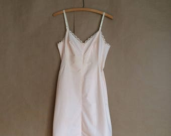 WEEKEND SALE! vintage 1960's Emilio Pucci full slip / pale pink slip / lace trim lingerie / slip dress / womens / mod / Made in the USA