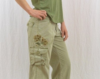 Vintage Embroidered Floral Capri Pants, Cargo Capris, Size Small, Size Four, 90's, Y2k, Tumblr Clothing, On Trend, Mori Girl