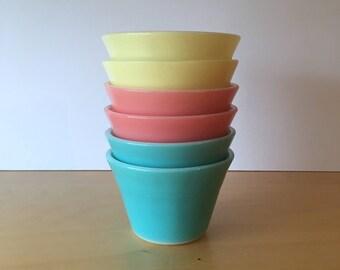 Set of 6 Vintage Pyrex Custard Cups- Pastel Colours