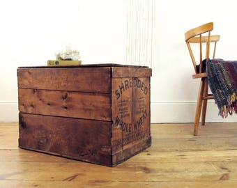 wood coffee table,vintage crate,industrial shipping crate,storage trunk,Asbury Park NJ,Niagara,advertising,farmhouse antiques,SHREDDED WHEAT