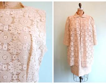Vintage 1960's Ivory Colored Spiderweb Lace Dress Set   Size Large