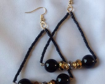 Black and gold triangle bar beaded earrings