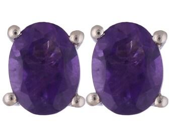 simple and nice looking solitaire stud earrings