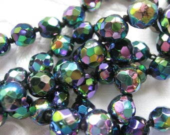 Carnival glass beads necklace from the 1920s Vintage iridescent multicoloured