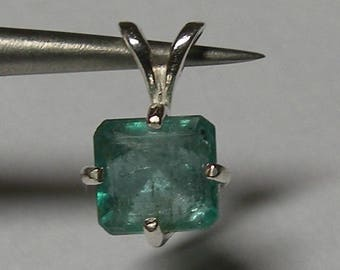 Natural emerald 1.56  ct & sterling silver 925 pendant