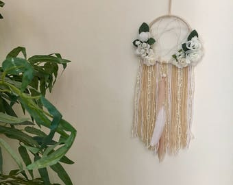 Neutral Floral Dreamcatcher / White Floral Dreamcatcher / Nursery Dreamcatcher / Nursery Decor / Shabby Chic Dreamcatcher / Boho Decor