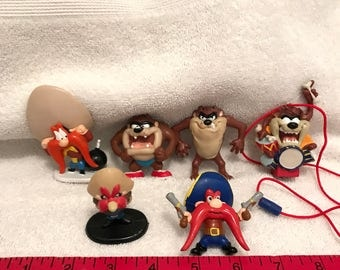 Small Plastic Looney Tunes Toy Lot