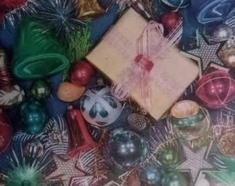 Vintage Christmas Wrapping Paper  ~ scrap booking paper ~ decoupage paper ~ decorative paper ~ Collection of ornaments design