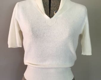 Lovely Cream 1950's Lambs Wool Sweater