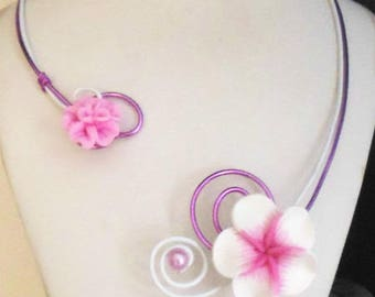 Elegant necklace and its orchid