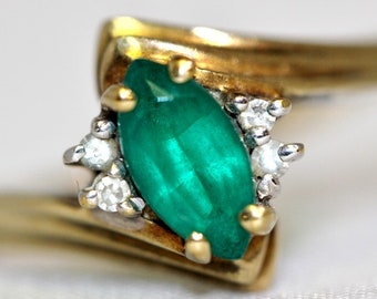 May Birthstone - Vintage 10K Solid Yellow Gold Bypass Shank Marquise Emerald & Diamond Ring Size 6.25