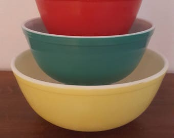 Pyrex Primary Color Mixing Bowl Set