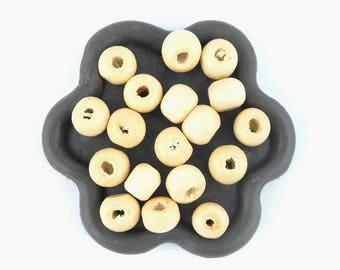 x 200 beads wood round 7x6mm (35)