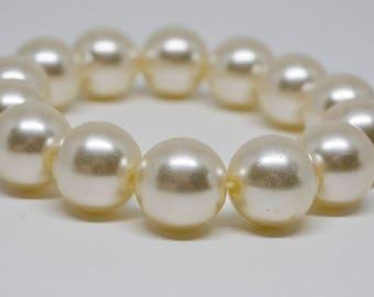Large Faux Pearls Beaded Bracelet