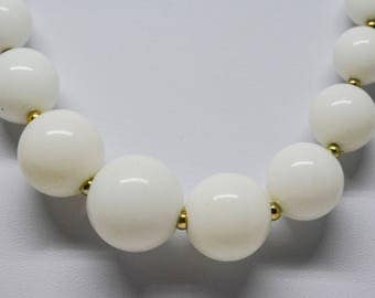 Gorgeoous white beaded necklace