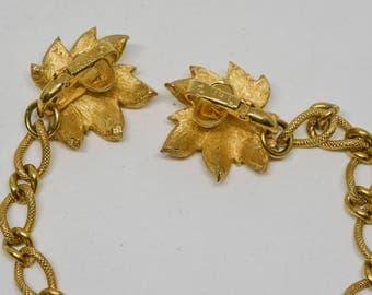 Trifari clip on gold tone necklace