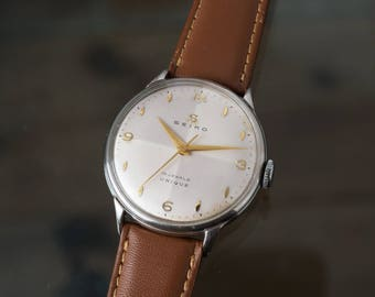 Seiko Unique 15 Jewels Vintage Manual Winding Watch 1950s Rare Dial  Serviced