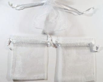 10 white 9x7cm organza sleeves