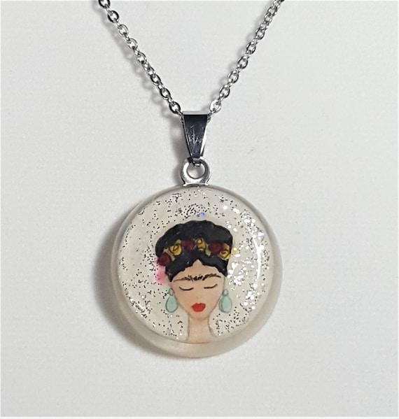 Frida Kahlo white round pendant