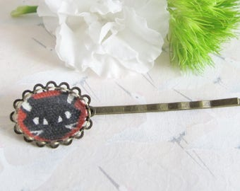 Barrette * black * on red background, bronze and fabric cabochon Japanese, cat hair clip barrette, hair clip