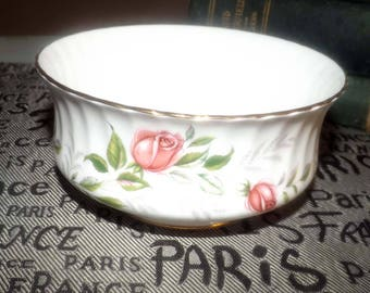 Vintage (c.1960s) Paragon Fragrance pattern open sugar bowl. Pink rose blooms, greenery and a scalloped, gold edge.
