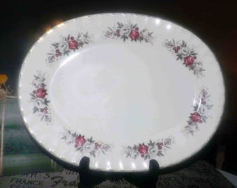 Vintage (c.1960s) Ridgway Pottery | Ridgways Mirandy oval vegetable serving platter. Red, white roses, 22K gold edge. White Mist ironstone.