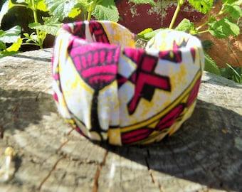 Bracelet stiff African pattern