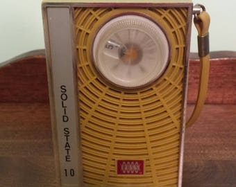 Solid State 10 Ross Portable Radio Model RE-62