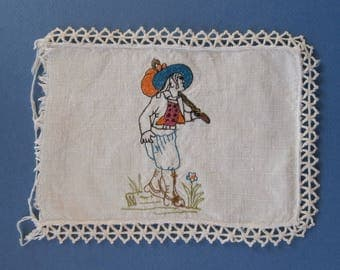 Old piece of hand embroidery - model 2