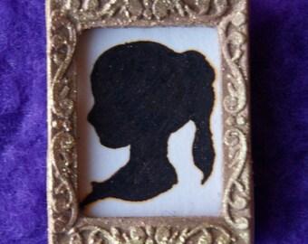 Miniature Silhouette (Woman)