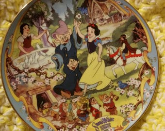 The Fairest one of All  1995 Vintage Collectors plate Premier in Disney's Musical Memories from The Bradford Exchange