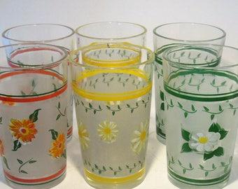 Drinking Glasses 1980 Flower Pattern Nostalgia Print Vintage Set of 6 Heavy Water Glasses or Party Glasses Summer Fun Floral Design