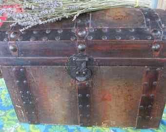 Wooden Treasure Chest, Decorative Steamer Trunk, Storage Chest