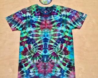 Medium Kaleidoscopic Apparel tie dye shirt