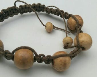 Brown macrame bracelet with wooden beads, very natural