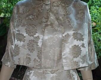 A la venta de los años 50 Rockabilly de estilo Jackie O meneo blanco brocado Floral hecho a mano cóctel noche del vestido de boda vestido traje de 2 piezas chaqueta