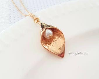 Calla Lily Flower Necklace - Flower Necklace - Flower Jewelry - Bridesmaid Gift - Bride Necklace - Wedding Jewelry - Bride Jewelry - Sister