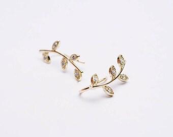 Cz ear climber - cz ear crawler - gold minimal ear climbers - leaf ear climbers - delicate ear climbers - leaves ear climbers - leaf earring