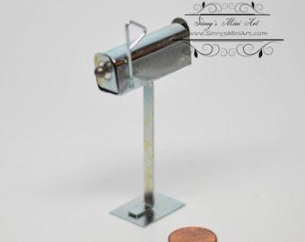 1:12 Dollhouse Miniature Metal Mailbox/ Miniature Mailbox HH IM66085