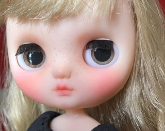 Brown realistic eyechip for MIDDIE Blythe
