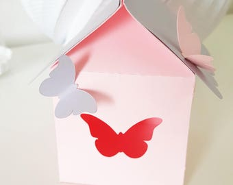 """Cabin birdhouse with birds-baptism - themed """"Butterfly"""" for festive paper 210 gr - table"""